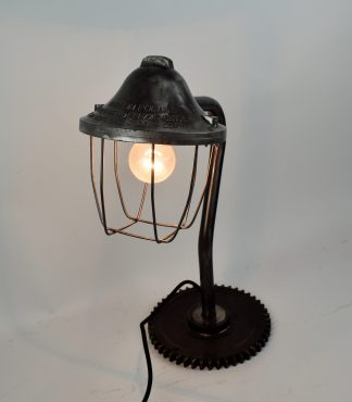 Polish bully desklamp